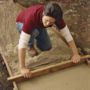 Как класть кирпичную дорожку в саду