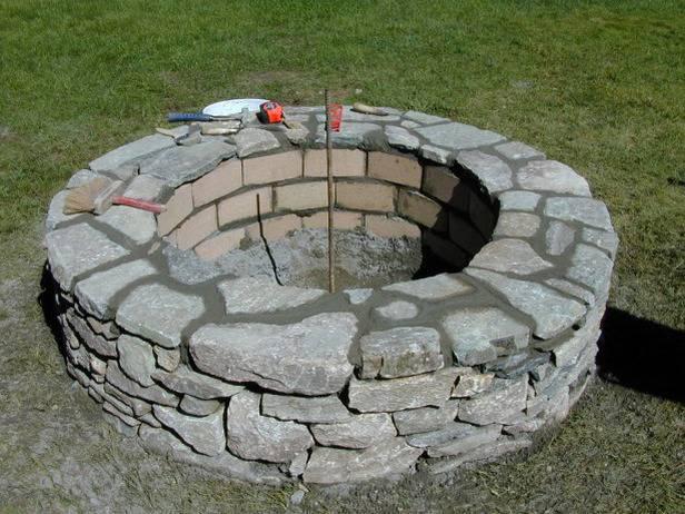 Как построить каменную яму для огня