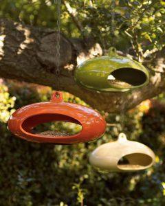 5 необычных кормушек и скворечников для птиц
