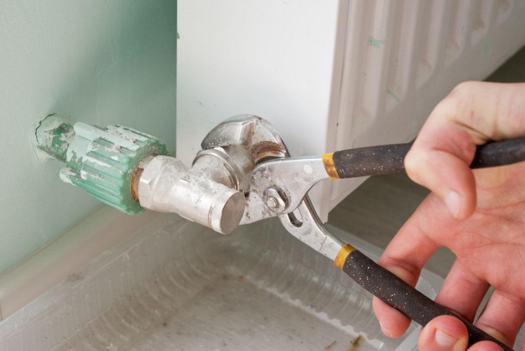 Как снять радиатор отопления