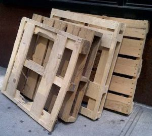 Необычное применение деревянного поддона