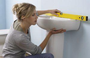 Как установить умывальник в ванной