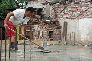 Как залить и выровнять бетонную поверхность