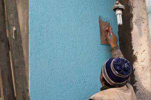 Покраска наружных стен дома — текстурная покраска