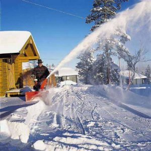 Уборка снега с территории