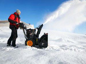 Снегоуборочная техника: разновидности и цена машин, их достоинства и недостатки