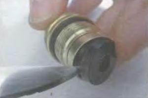 Замена прокладки буксы смесителя