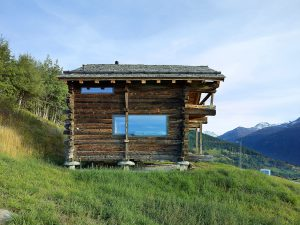 Деревянный дом Швейцария