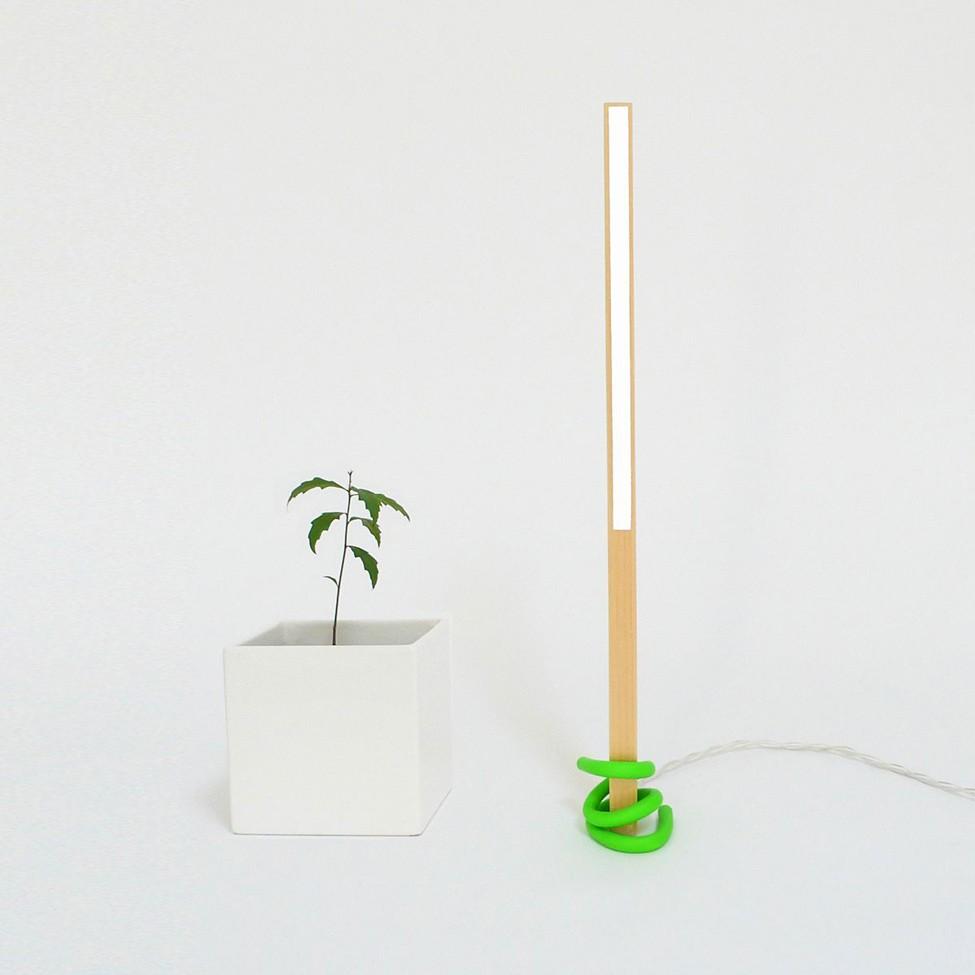 Настольная лампа 1×1 (дизайнер Victor Vetterlein)