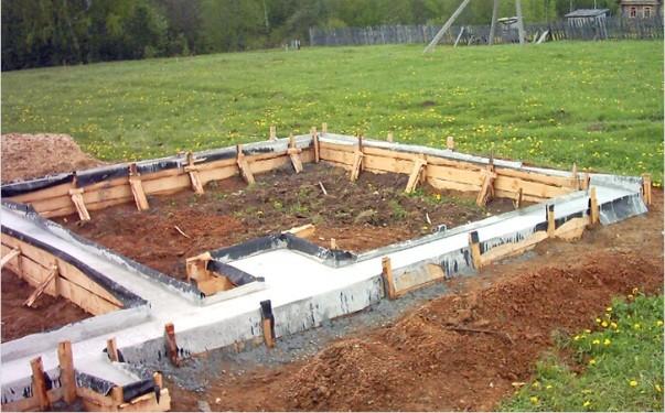 Как правильно построить фундамент под банную печь