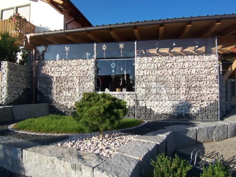 Отделка фасада габионами, простые каменные фасады