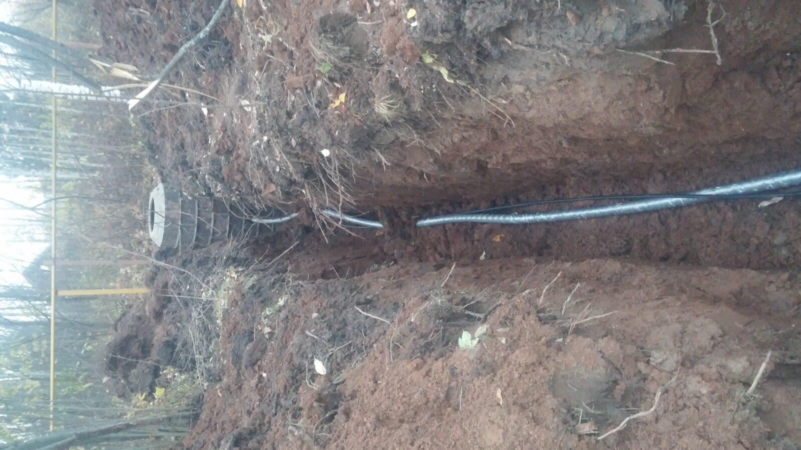 Укладка водопровода в траншею