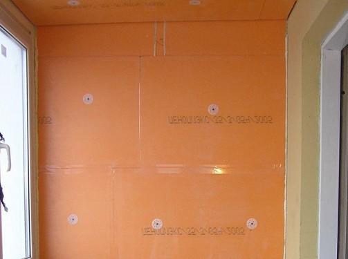 Стена из пенополистирола