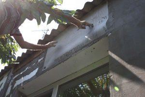 Армирование монтажной сеткой и уголками при утеплении дома
