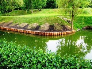 Как укрепить берег водоема своими руками