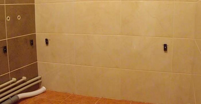 Подготовка стены для установки акриловой ванны