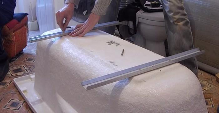 сделать углубления на корпусе акриловой ванны