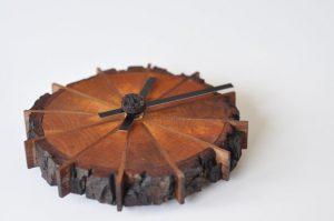 Превращаем распил дерева в оригинальные часы
