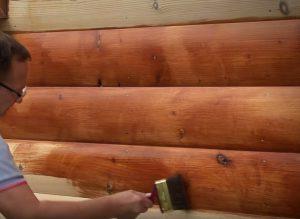 Наружная покраска дома из древесины: особенности нанесения
