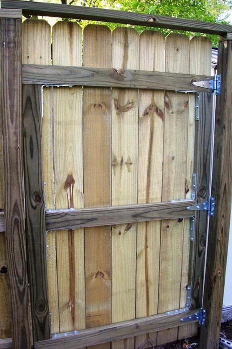 Сколачиваем дверь калитки