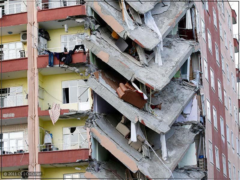 Обрушение дома вследствие незаконно произведенной перепланировки