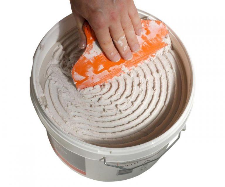 Ведро с готовым клеем для плитки