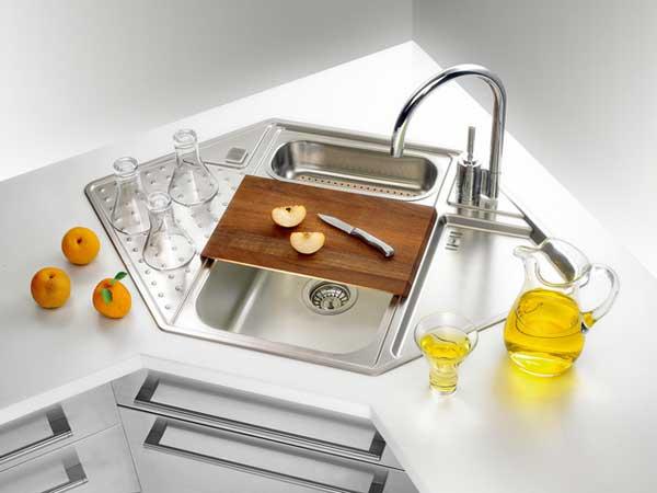 Как увеличить эффективное пространство, имеющееся в кухне: фото мойки с разделочной доской