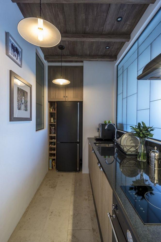 Кухня, перенесенная в коридор