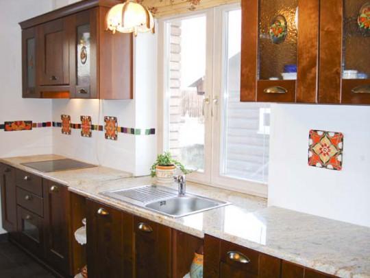 Перемещение кухонных моек к окну
