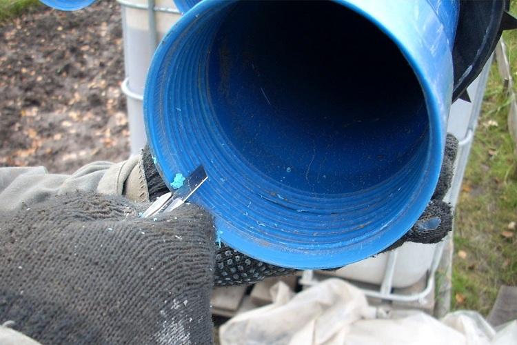 Процесс подготовки полимерной трубы к выполнению обсадки