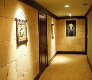 Проходной переключатель – это возможность управлять освещением сразу из двух мест