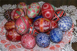 Пасхальные яйца: Как их покрасить легко и красиво