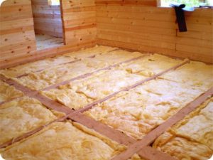 Какой утеплитель лучше для деревянного пола на даче