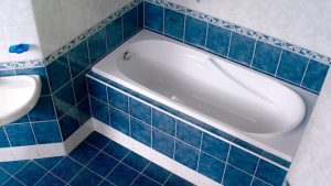 3 доступных способа, позволяющих герметизировать примыкание ванны к стене