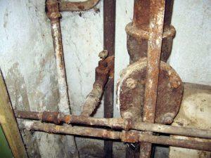 Старые трубы и электропроводка: как правильно произвести их замену в квартире