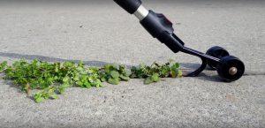 Новые садовые гаджеты: Роликовая тяпка Weed Snatcher