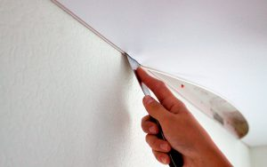 Снять натяжной потолок самостоятельно