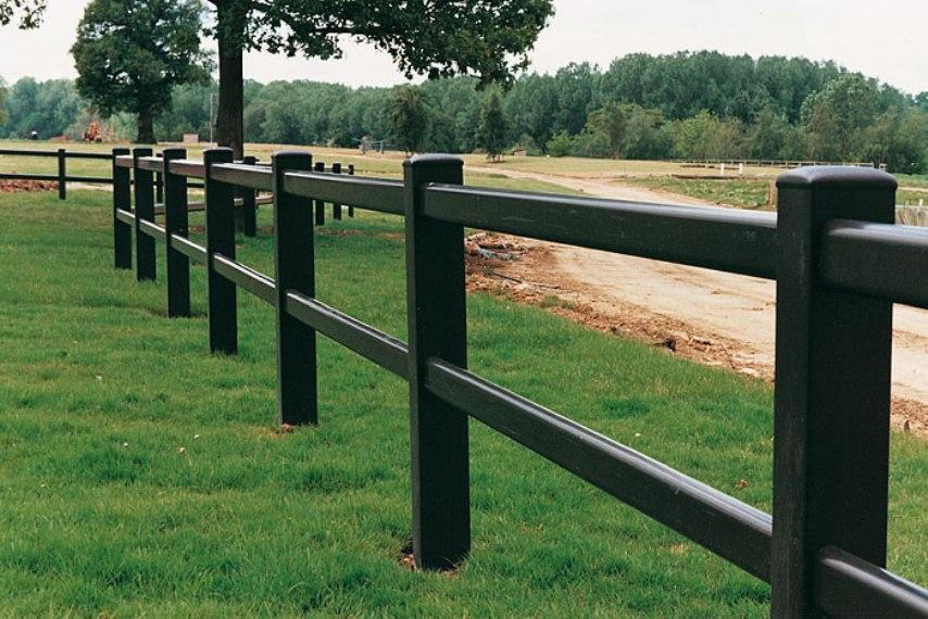 Забор для левады из дерева