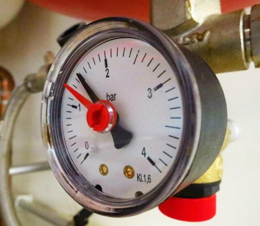 Давление воды: водяной маносметр