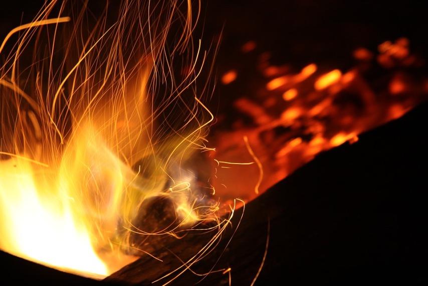Утилизируем опавшие листья при помощи сжигания