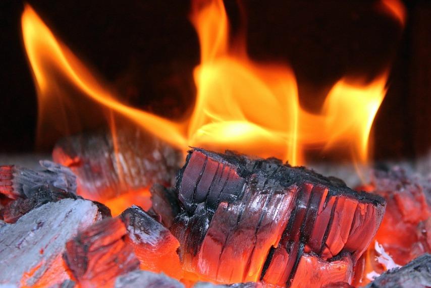 Для чего нужно сжигание опавших листьев