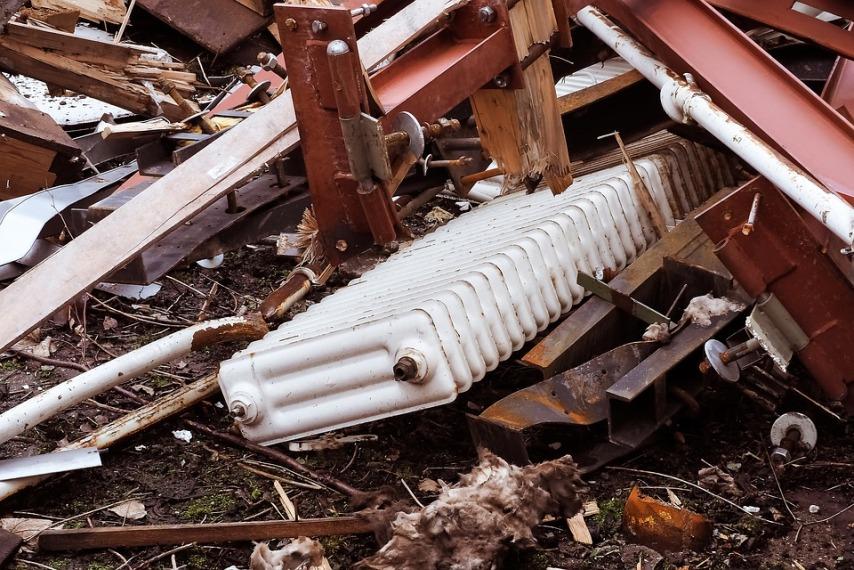 Кто несет ответственность за разрыв радиатора отопления в квартире?