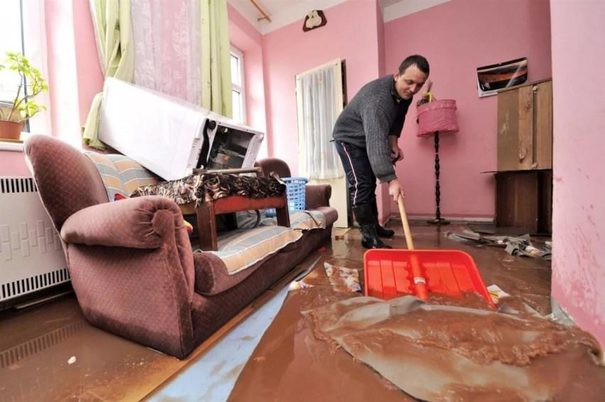 Сбор воды в квартире