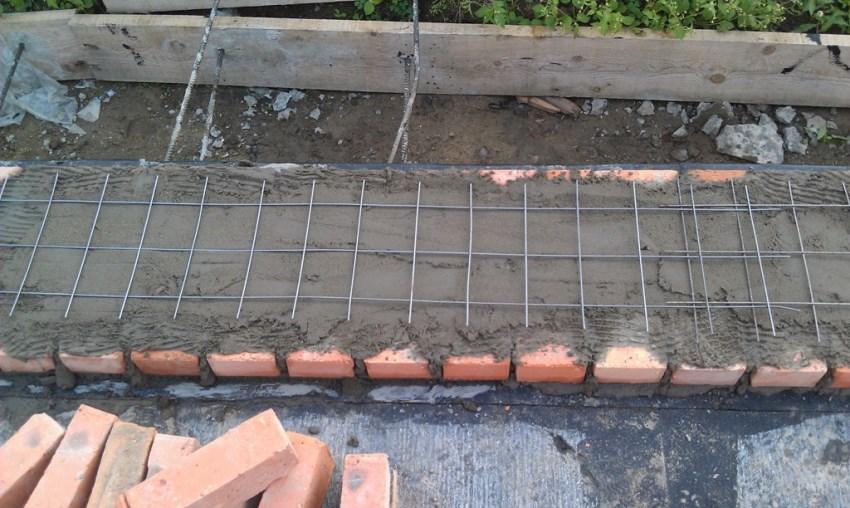 Установка кладочной сетки в фундамент