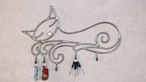 Ключница на стену — удобный декоративный элемент
