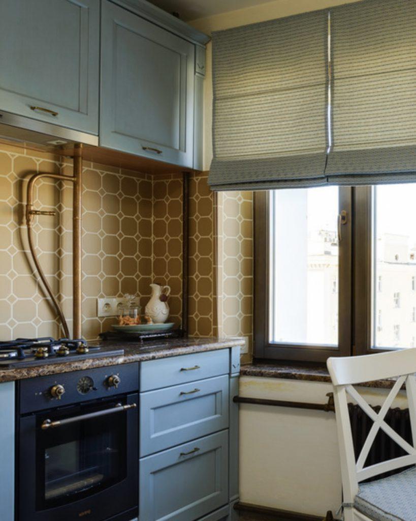 Куда спрятать газовую трубу на кухне