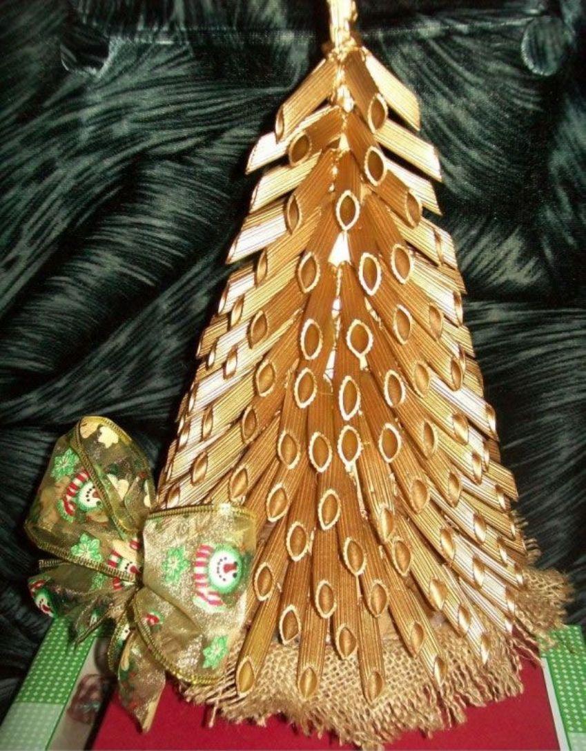 Новогодняя елка из макаронных изделий