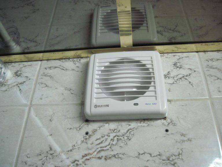 вентиляция ванны в плитке