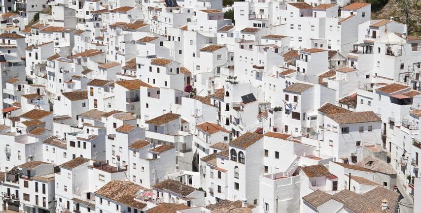 Как грамотно подойти к выбору жилья и новых соседей