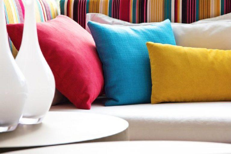 Яркий текстиль,, как способ оживить интерьер